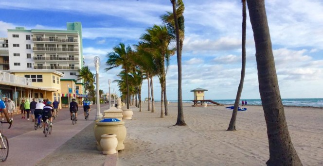 hollywood-beach-fl-boardwalk